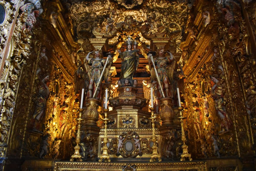 Incredibly intricate gilded wooden figures in Baroque style in Faro cathedral, Algarve, Portugal